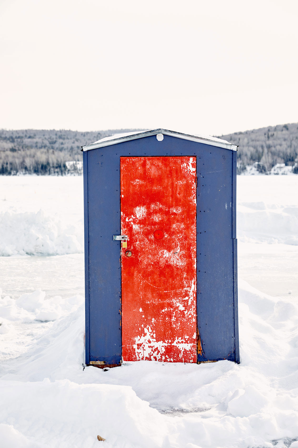 Maine-Ice-Fishing-45